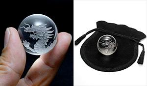 水晶丸玉 五爪の龍(水晶)28mm〜31mm[巾着袋付き]