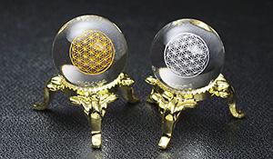 水晶丸玉セット(スパイラルクォーツGA[フラワーオブライフ金・銀彫り])20mm[台座・ギャランティカード付き]