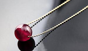 高品質ネックレス「幸せの種」(ルビーPG)